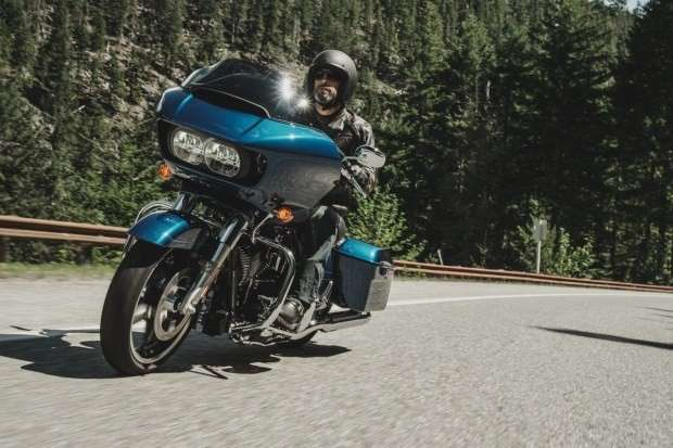 Harley-Davidson Road Glide Special FLTRXS on the road