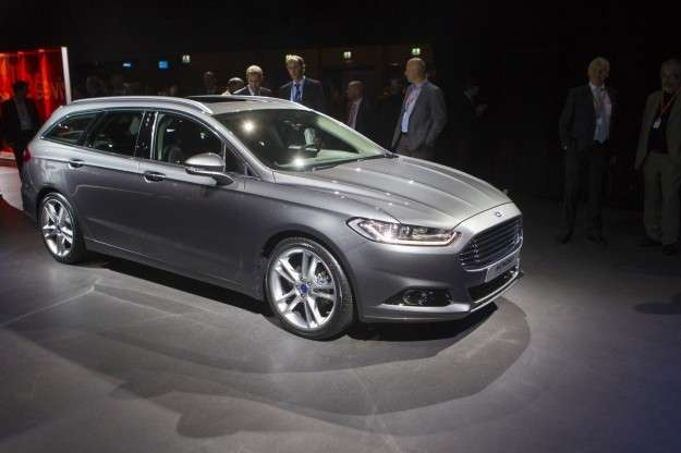 Ford Mondeo wagon 2015 frontale anteriore
