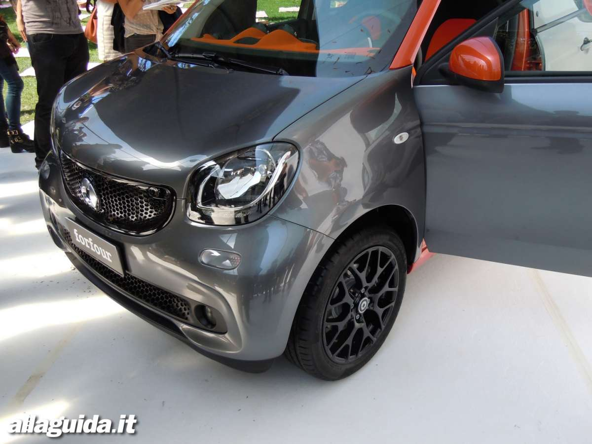 Business-Game-smart---Nuova-smart-forfour-muso