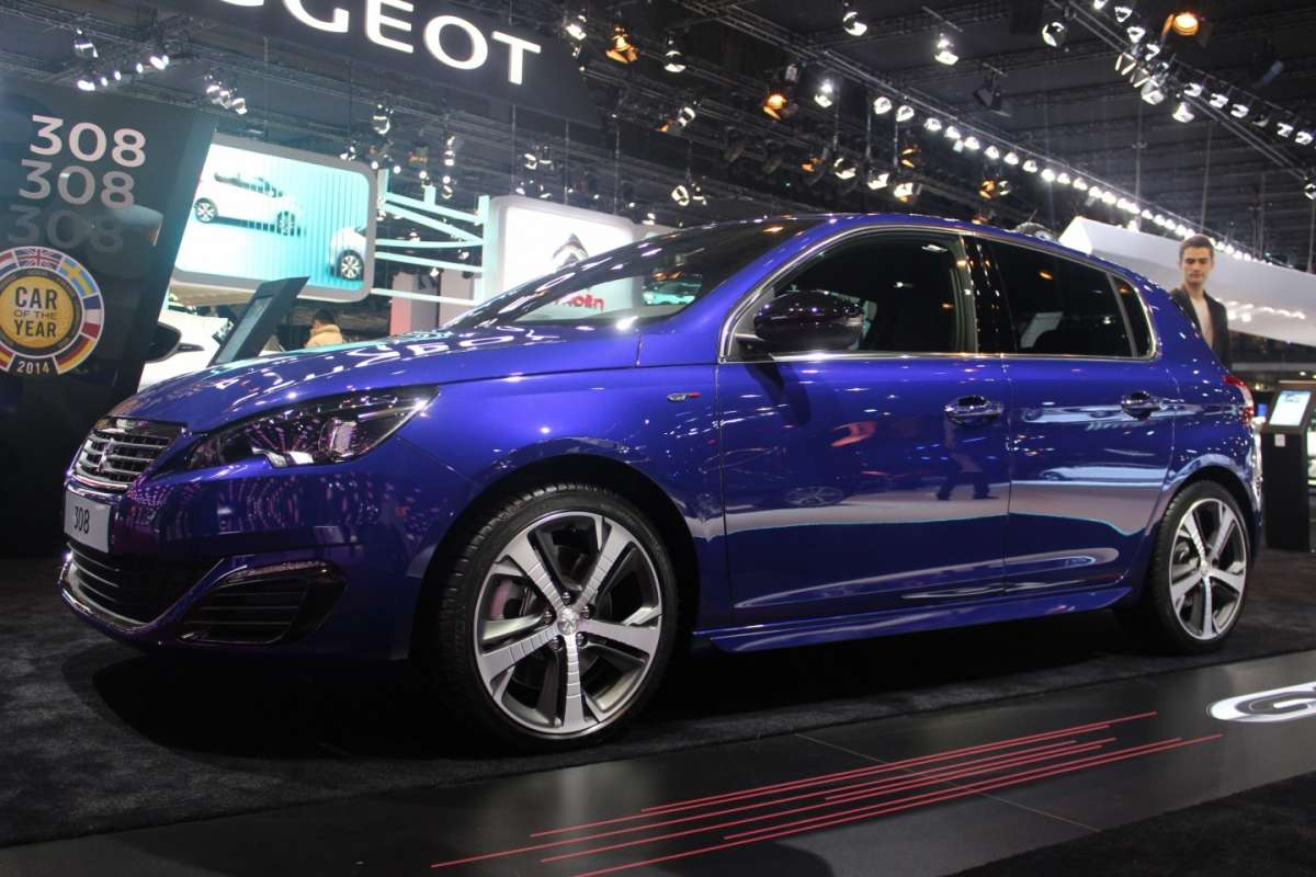 Peugeot 308 GT laterale