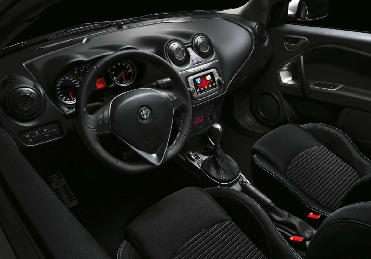 Alfa Romeo MiTo Junior interni