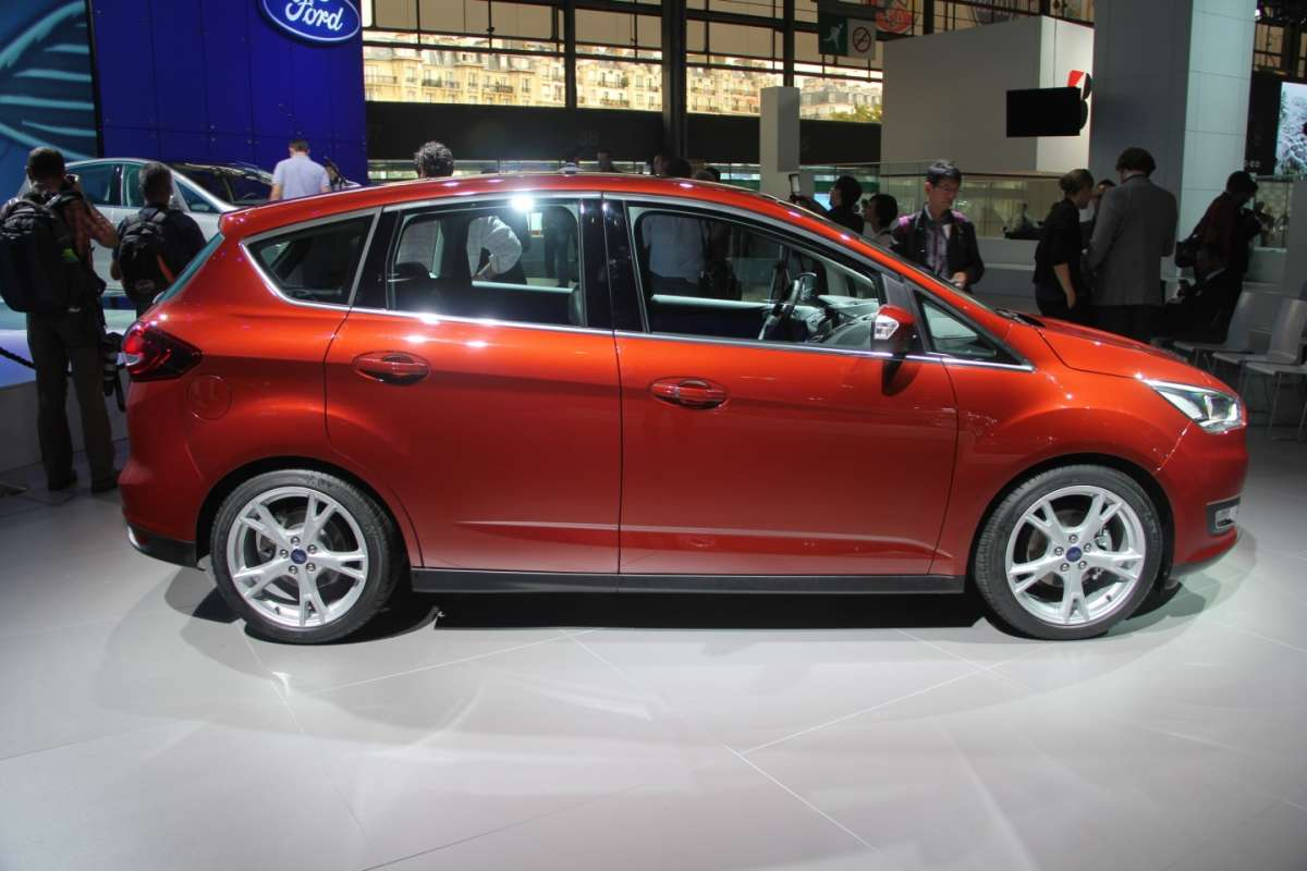 Ford C-Max restyling fiancata