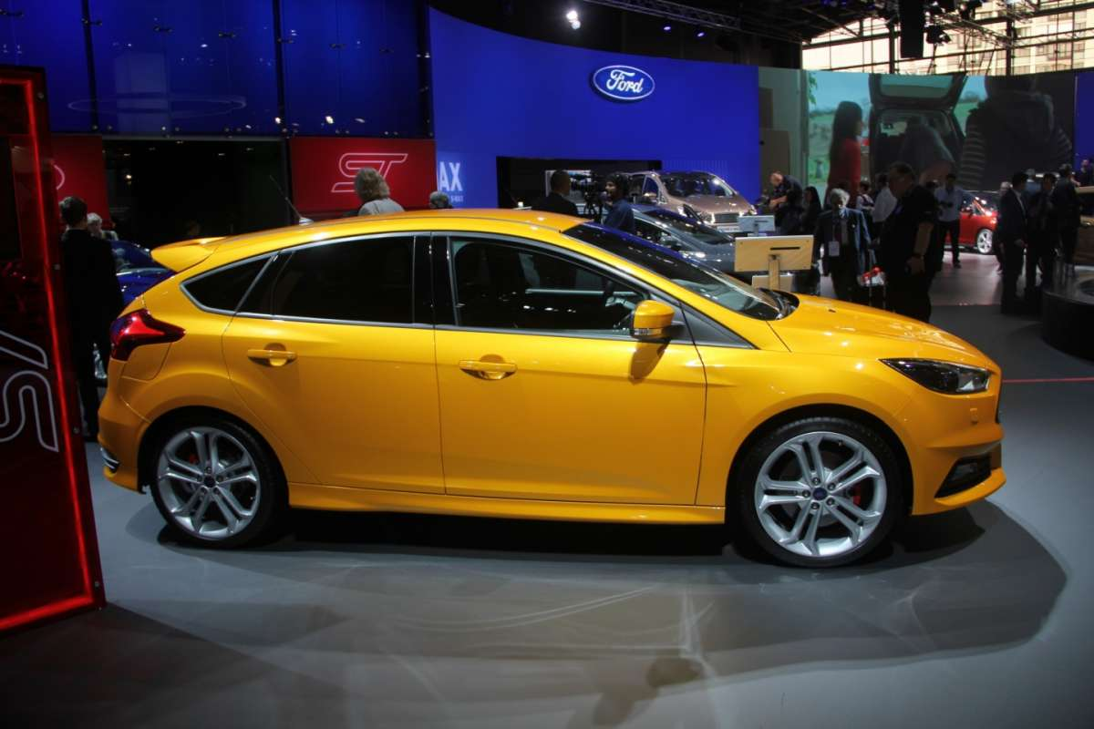 Ford Focus ST restyling laterale