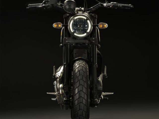 Anteriore dello Scrambler Ducati Full Throttle