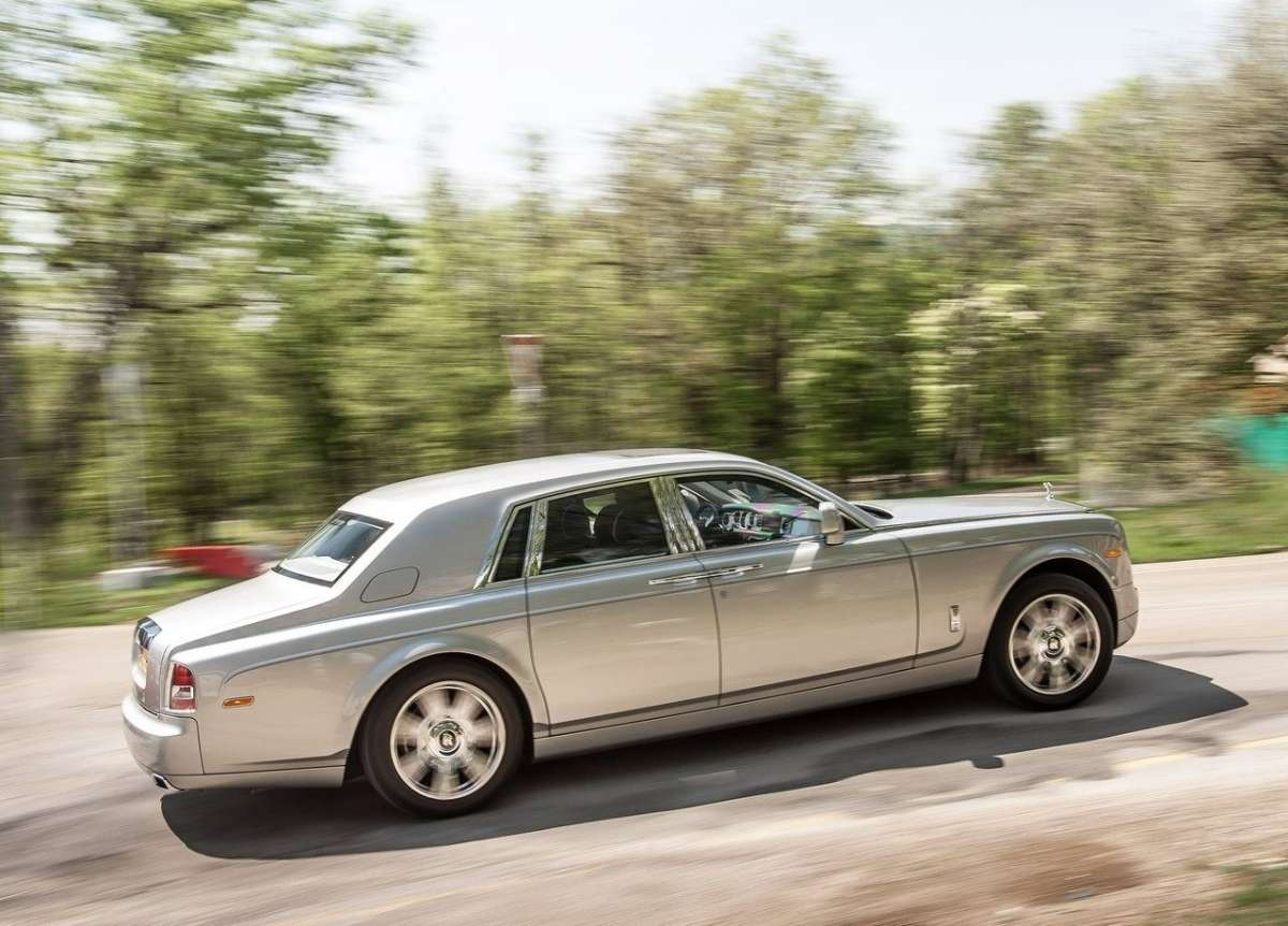 Rolls Royce Phantom, dimensioni