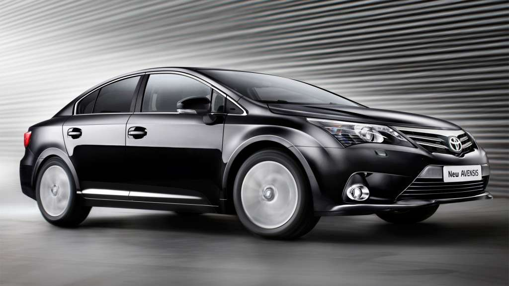 Toyota Avensis laterale anteriore