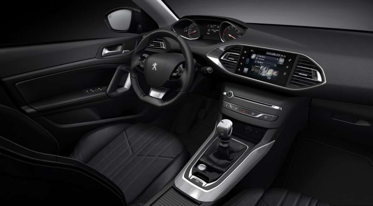 Peugeot 308 GT, nuovo infotainment.