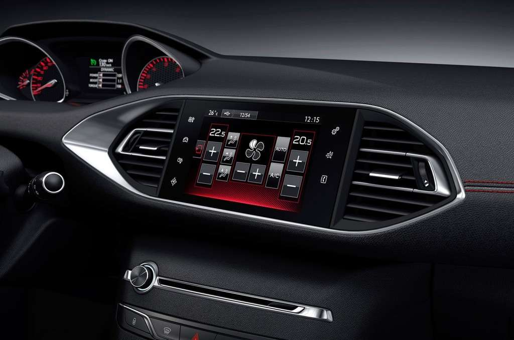 Peugeot 308 GT, nuovo touchscreen,
