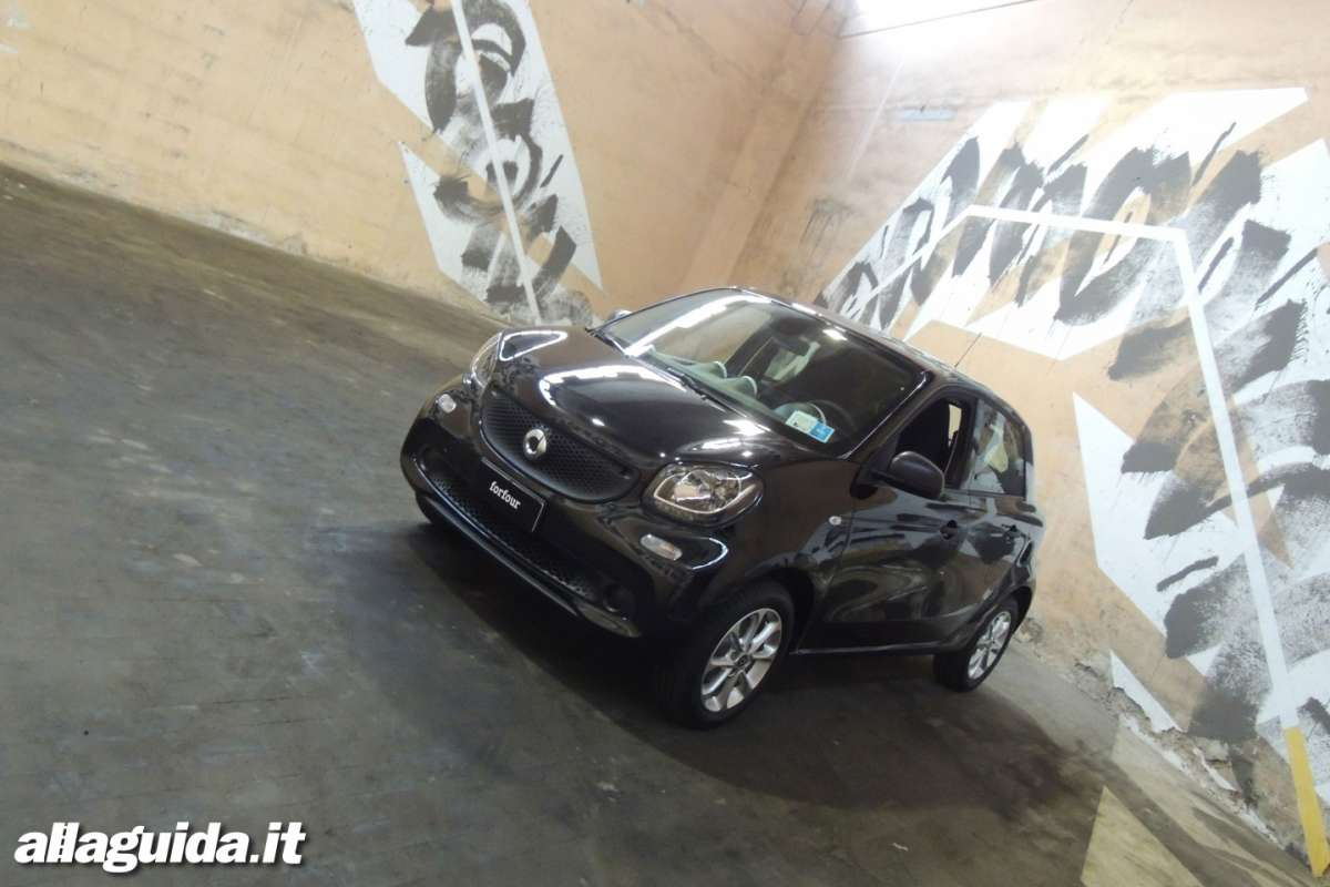 Smart ForFour 2014 nera