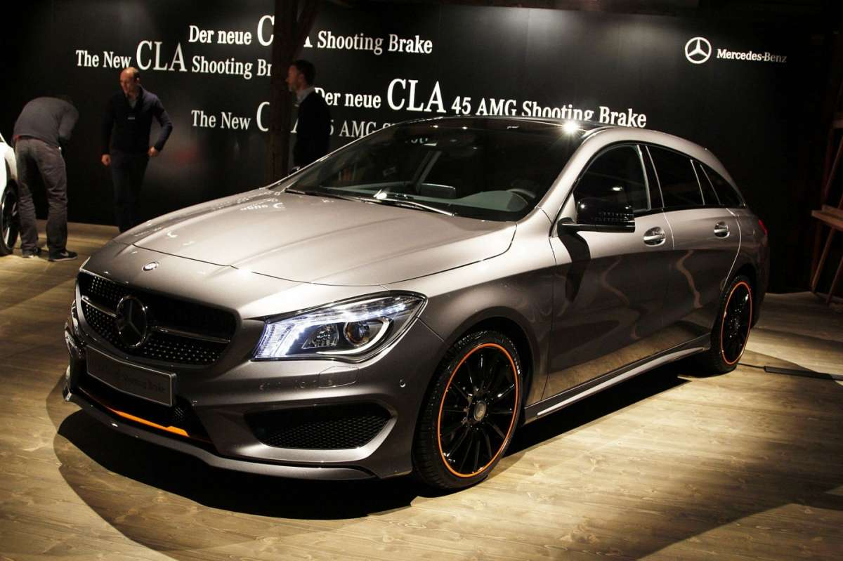 mercedes cla shooting brake 2015 prezzo di listino dimensioni e bagagliaio foto allaguida. Black Bedroom Furniture Sets. Home Design Ideas