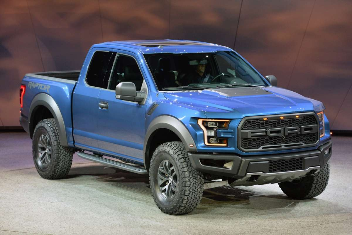 ford f 150 raptor al salone di detroit 2015 foto allaguida. Black Bedroom Furniture Sets. Home Design Ideas