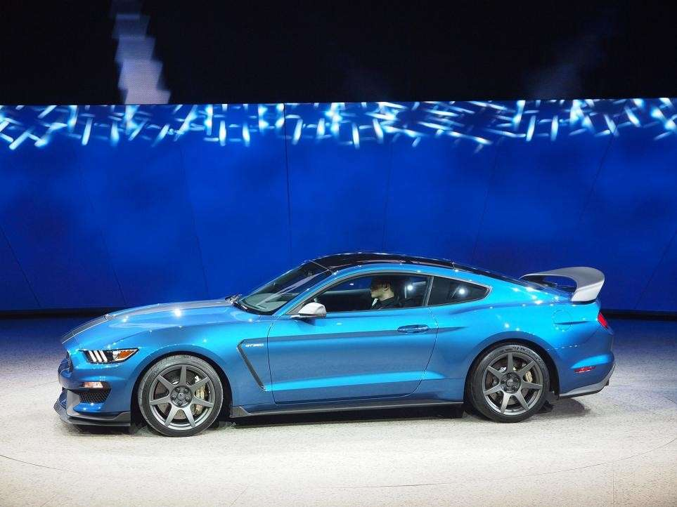 Ford Mustang Shelby GT350, salone Detroit 2015 (2)