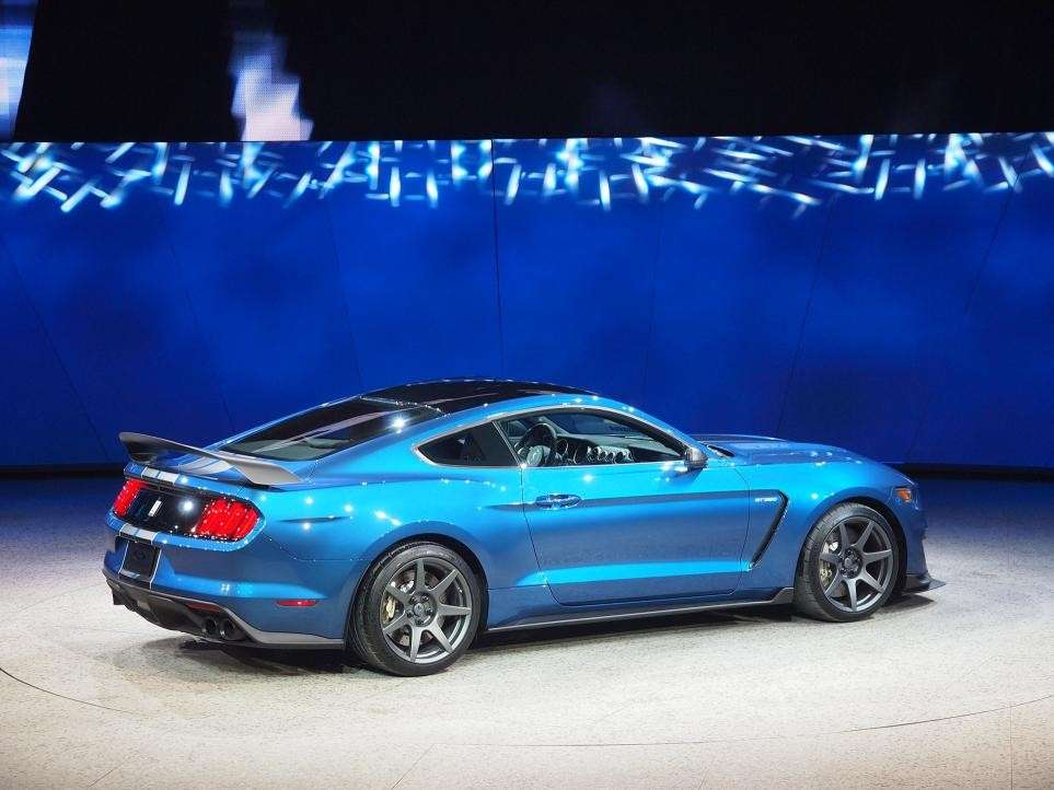 Ford Mustang Shelby GT350, salone Detroit 2015 (3)