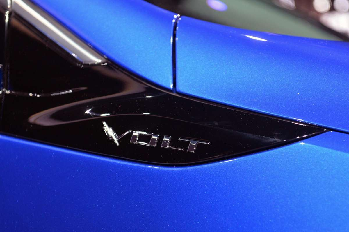 Chevrolet Volt LIVE Detroit 2015 badge