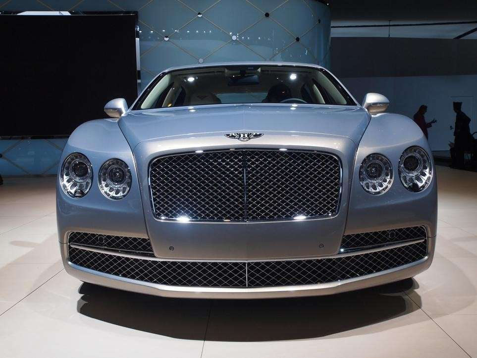 Bentley al salone di Detroit 2015 (2)