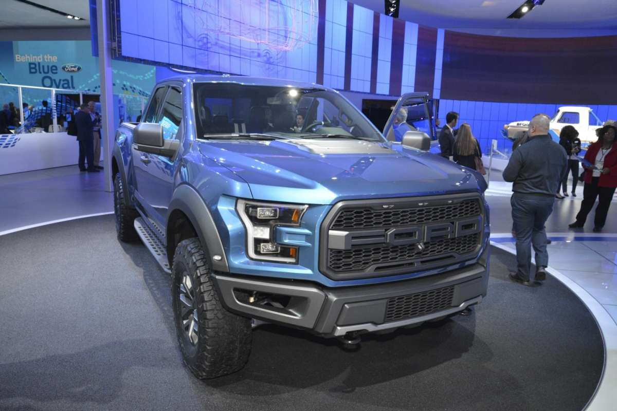 Ford F-150 Raptor,  salone Detroit 2015 (1)