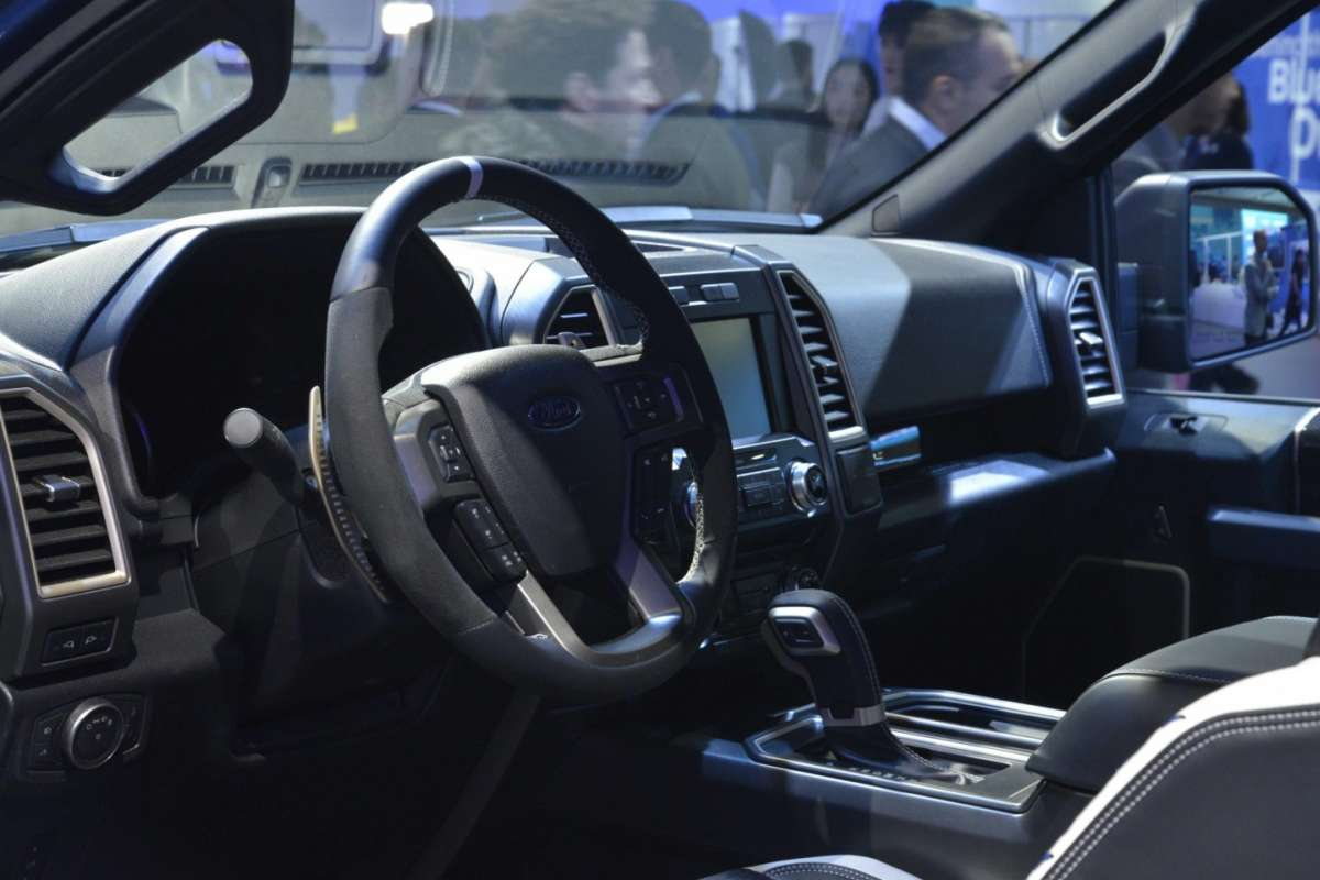 Ford F-150 Raptor,  salone Detroit 2015 (3)