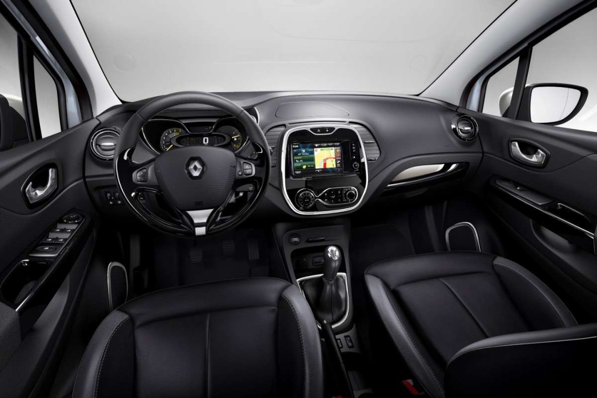 Interni in pelle di Renault Captur Pure