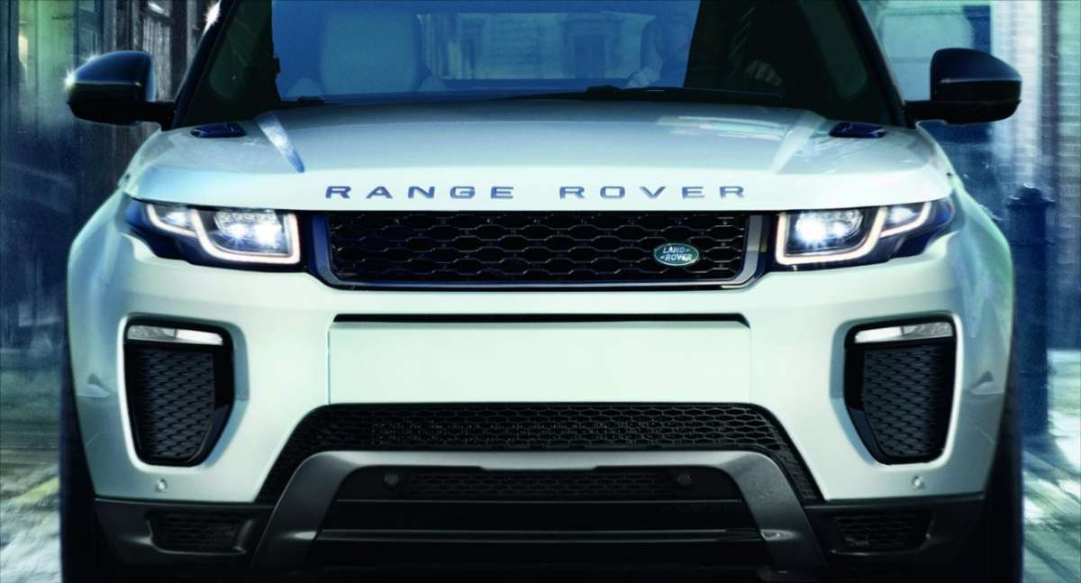 Nuovo look frontale Evoque MY 2015