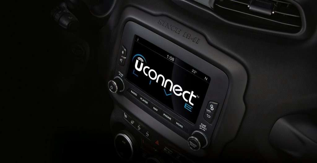 Jeep Renegade Hard Steel sistema Uconnect Live