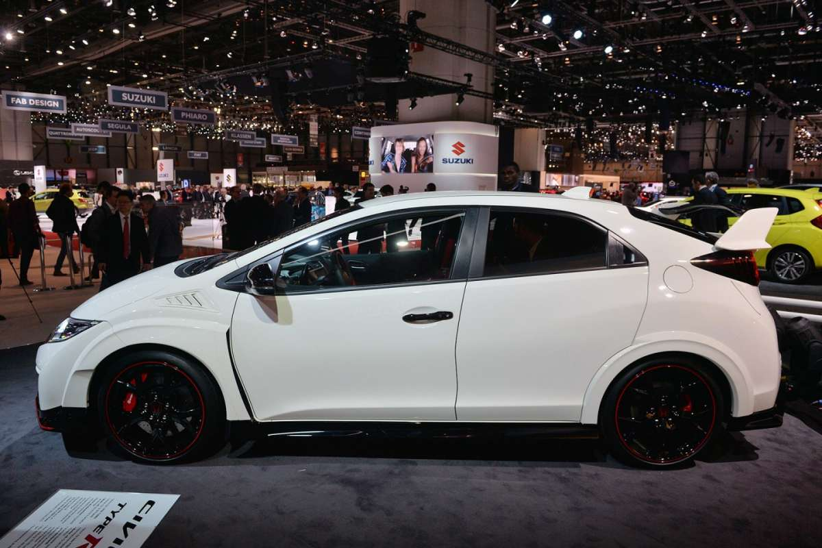 Honda Civic Type-R 2015 dimensioni