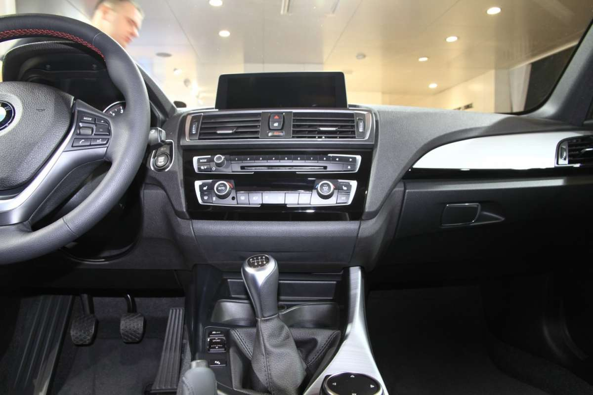 BMW Serie 1 2015 consolle centrale