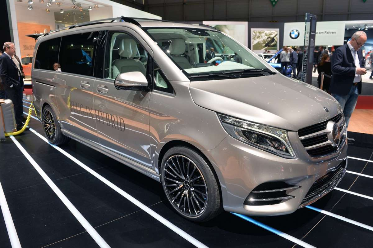 Mercedes-Benz V-Class plug-in hybrid V-ision-e concept