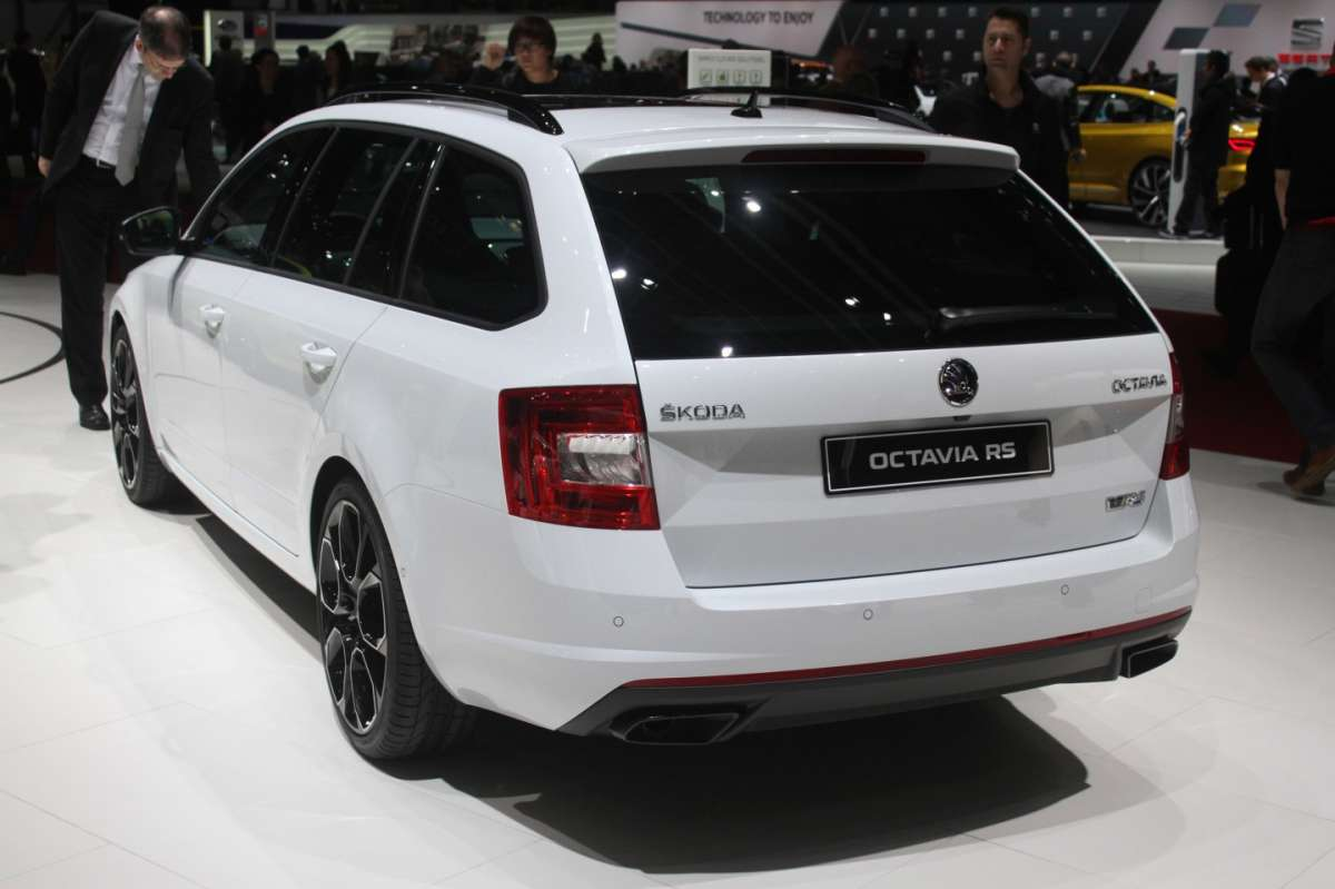 Skoda Octavia RS 230 station wagon