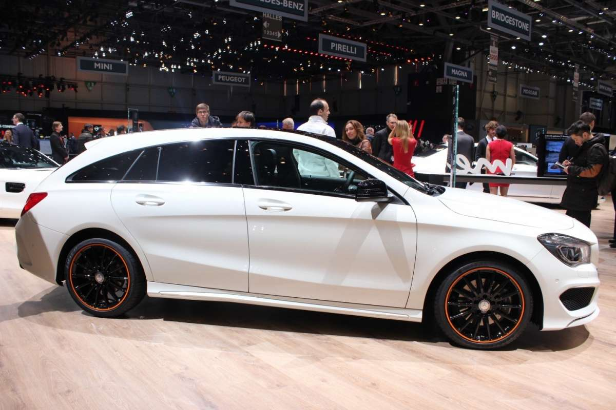 Mercedes CLA Shooting Brake laterale