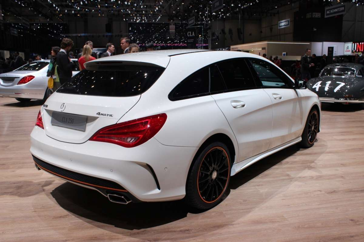 Mercedes CLA Shooting Brake posteriore