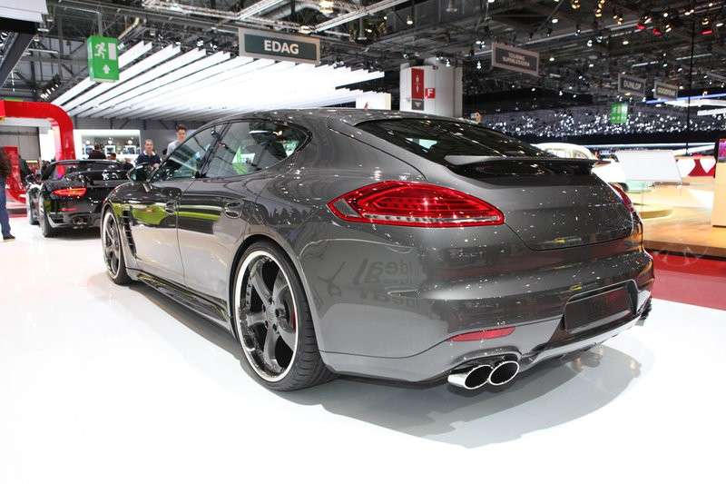 3/4 posteriore Porsche Panamera by TechArt