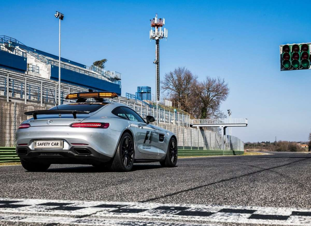 Mercedes AMG GT S F1 Safety Car dietro