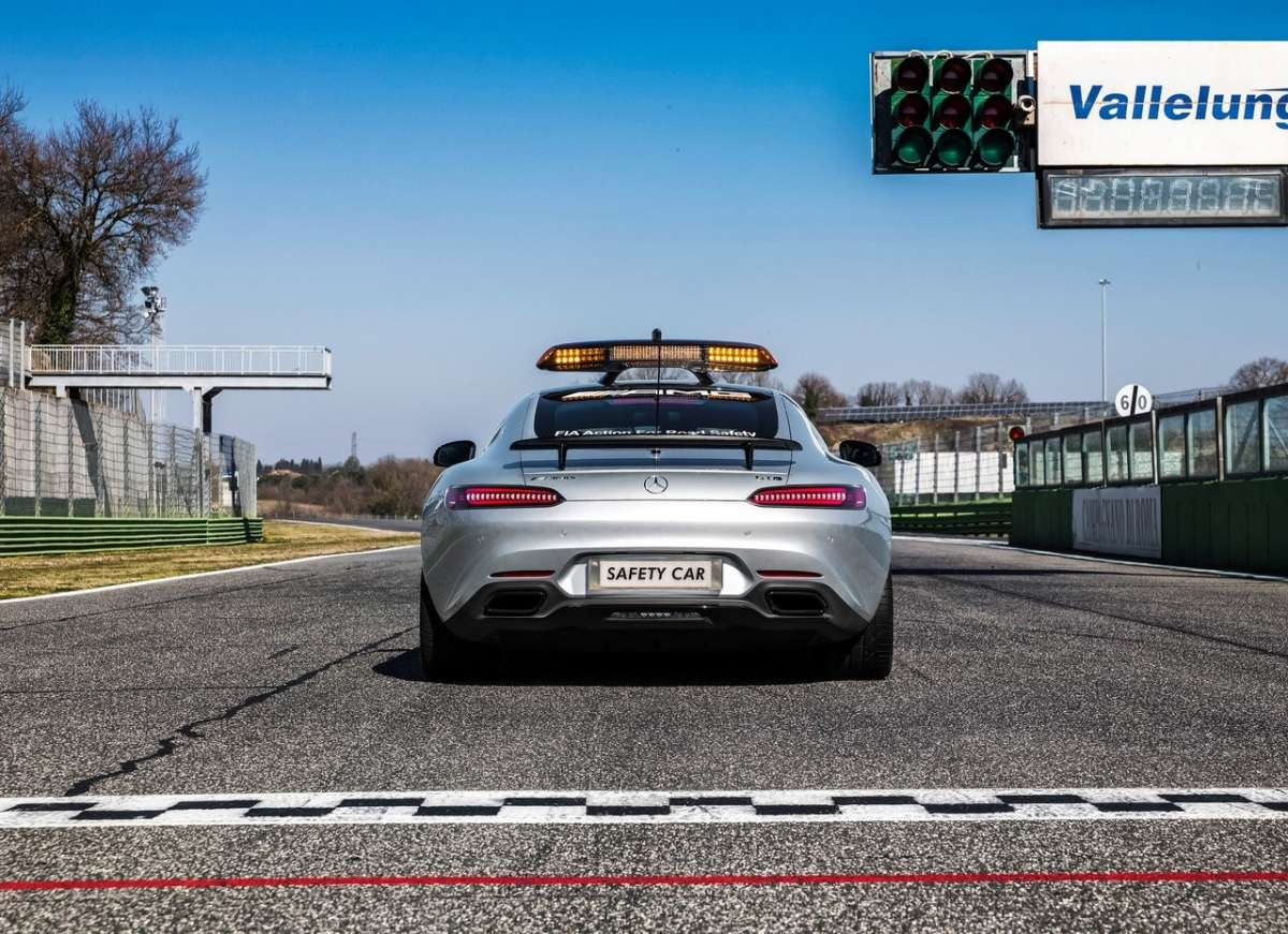 Mercedes AMG GT S F1 Safety Car posteriore