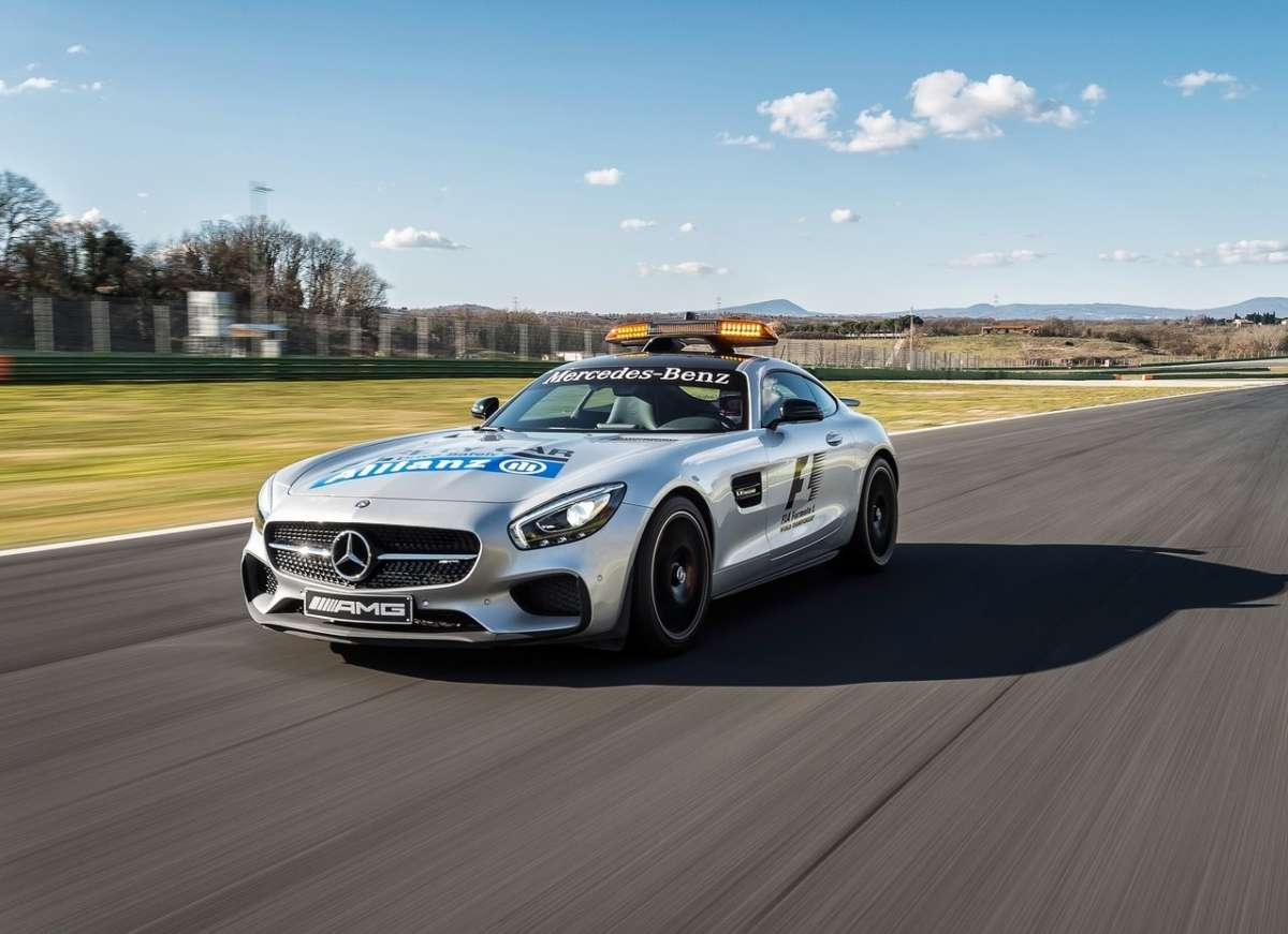 vista anteriore Mercedes AMG GT S F1 Safety Car