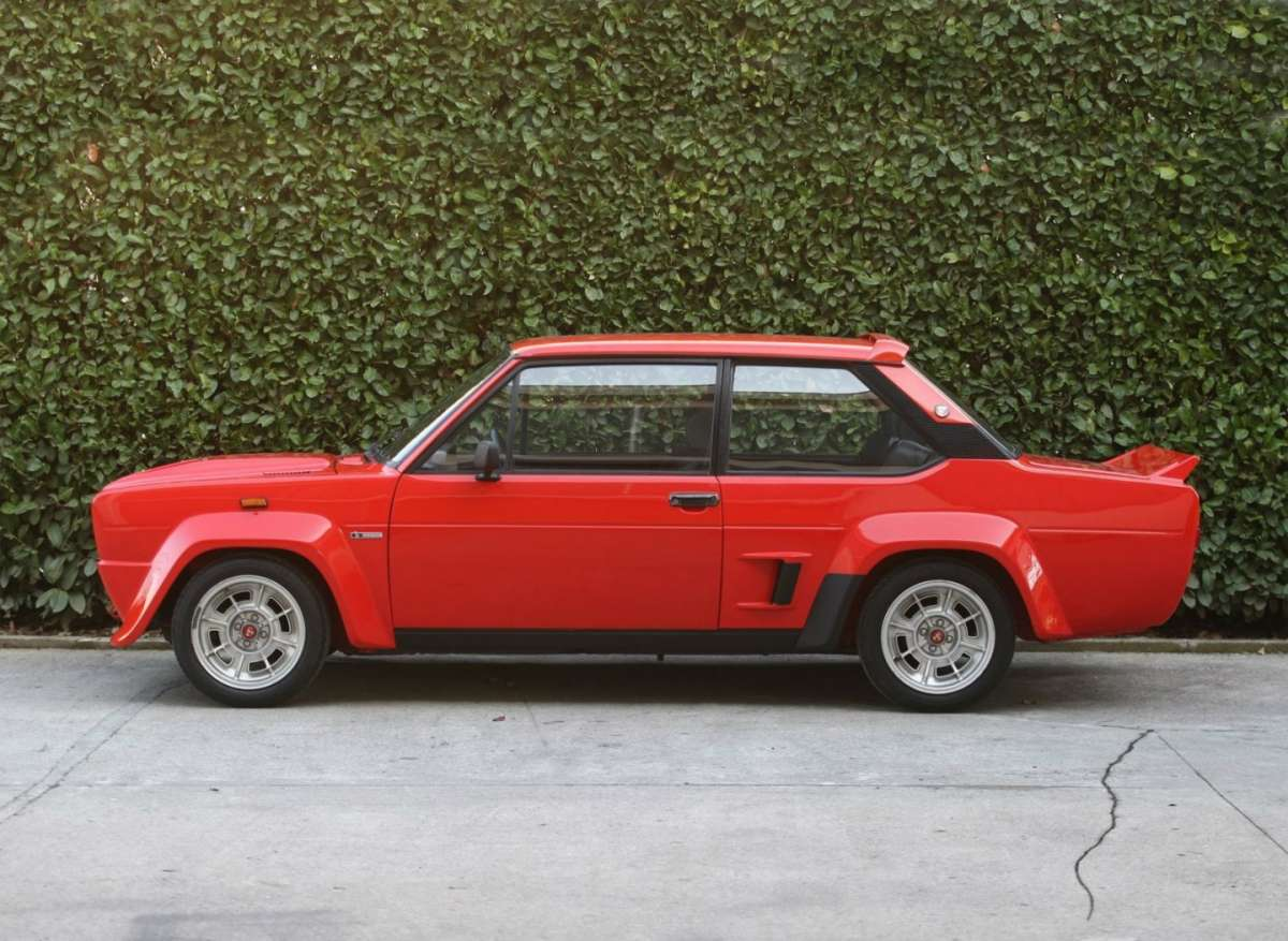 Fiat Abarth 131 Rally 1976  rossa