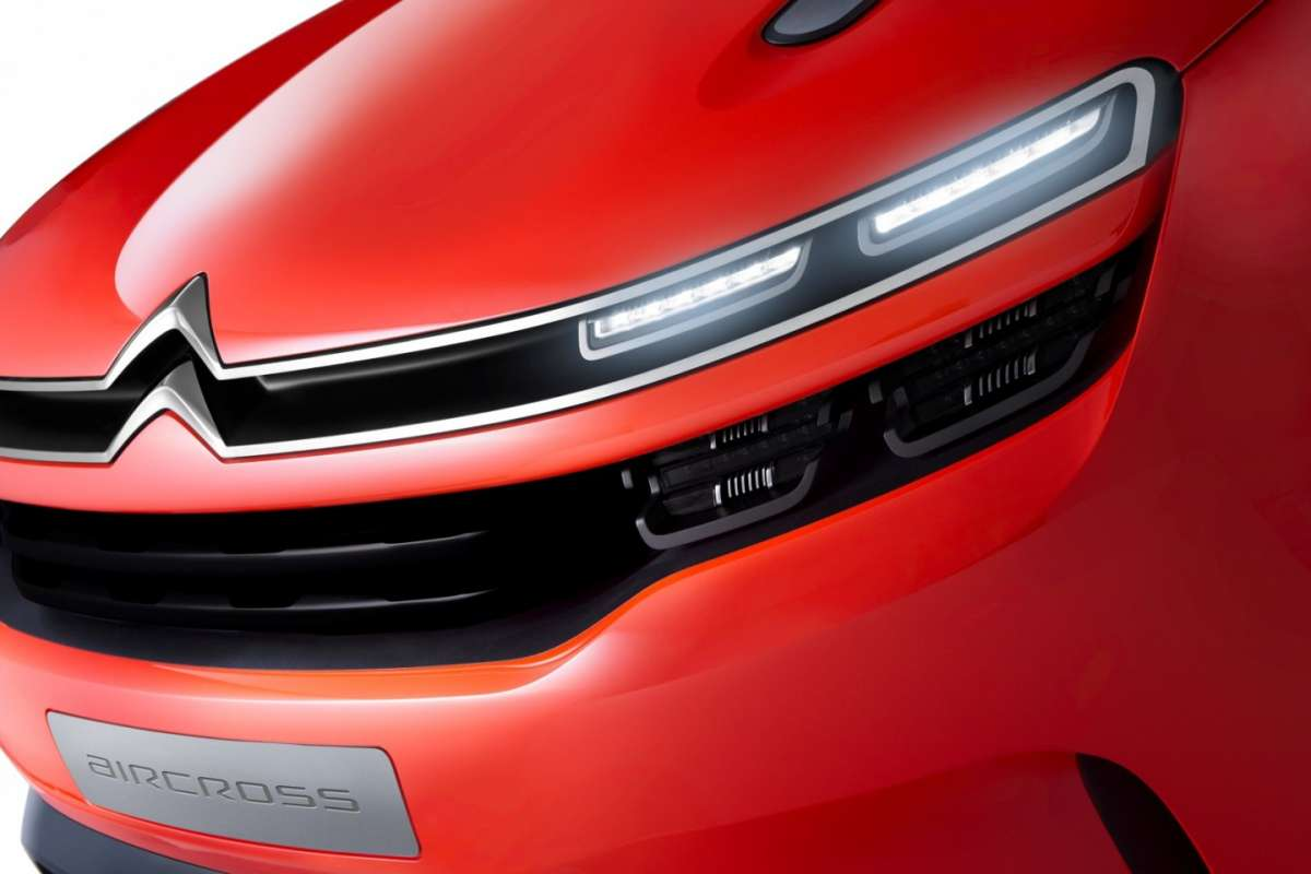 Citroen Aircross concept e fari full led.