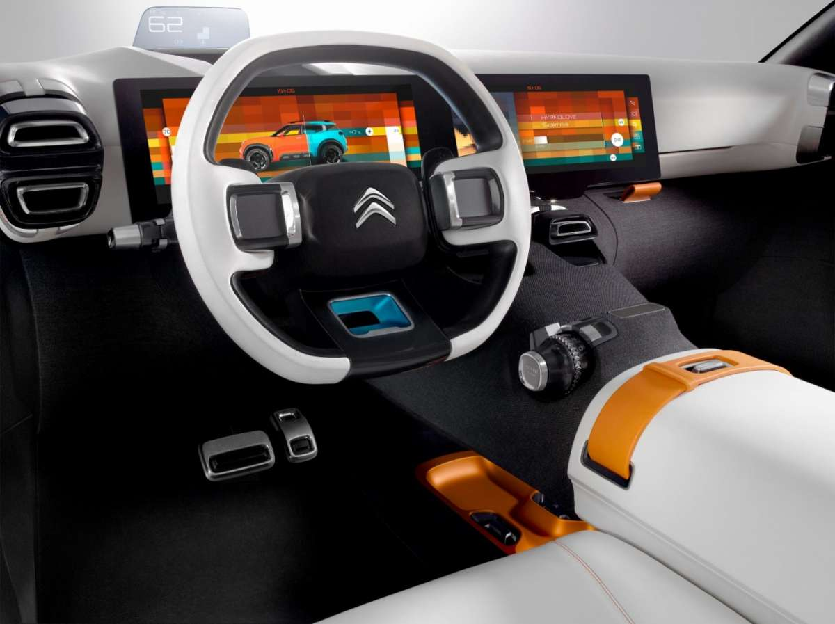 Citroen Aircross concept con due touchscreen