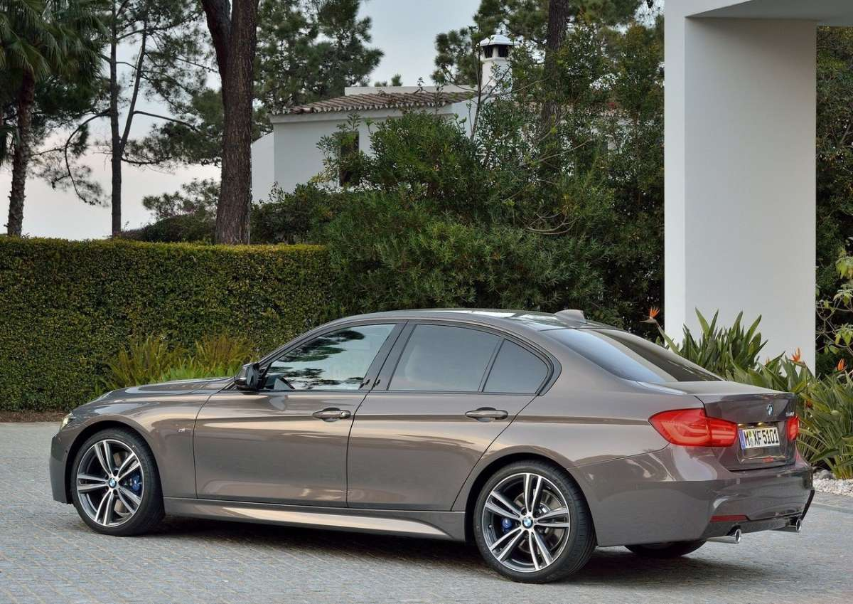 Nuovo motore di Bmw Serie 3 restyling