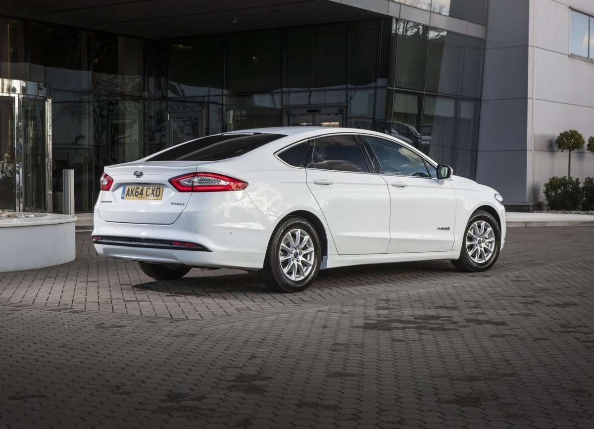 Posteriore Ford Mondeo Hybrid 2015