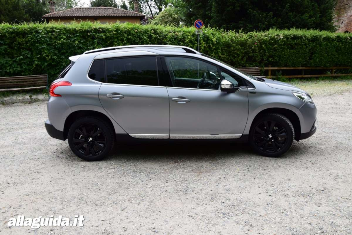 Dimensioni di Peugeot 2008 Black Matt