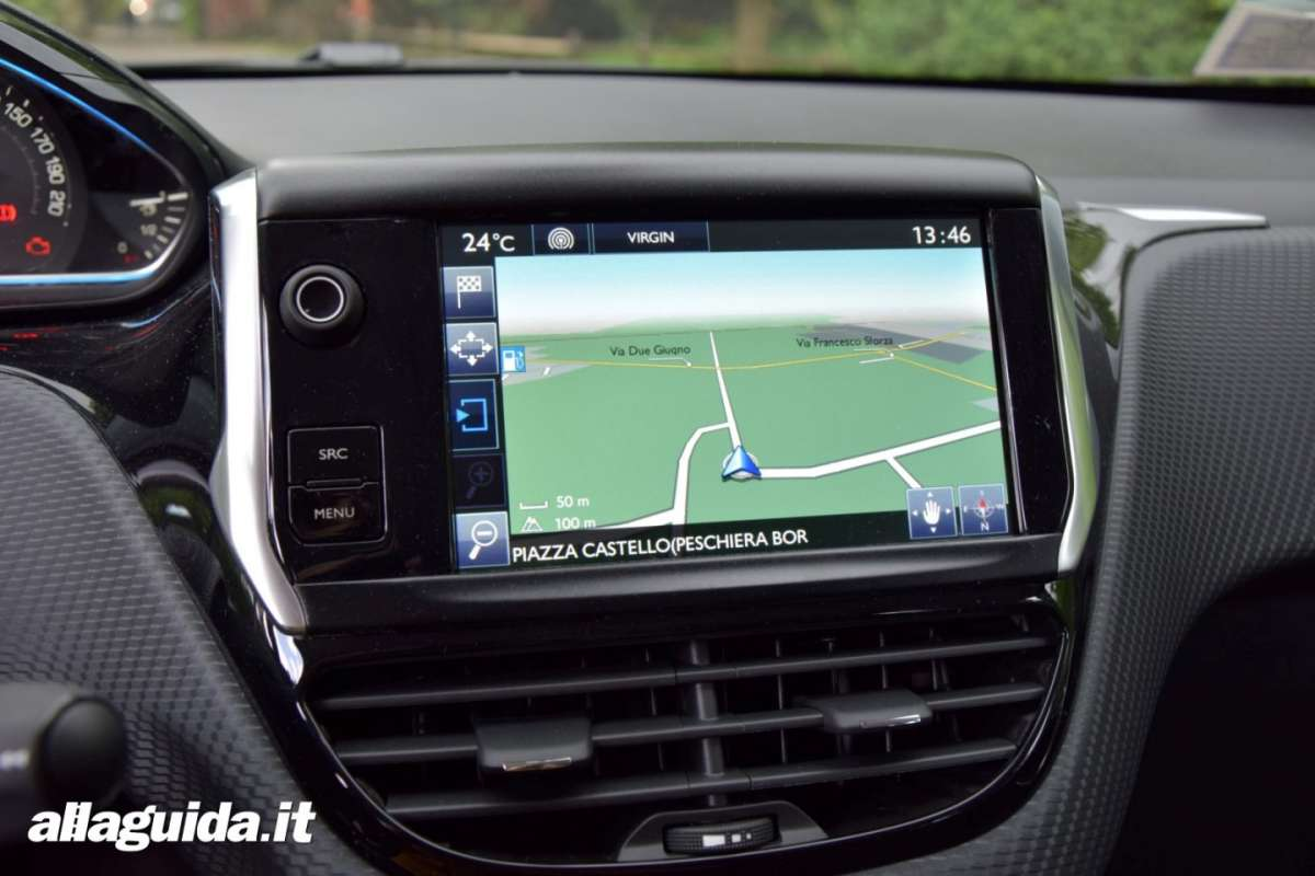 Infotainment Peugeot 2008 Black Matt con bluetooth