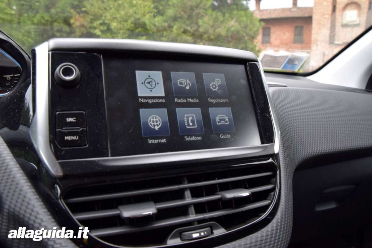 Touchscreen a colori di Peugeot 2008 Black Matt