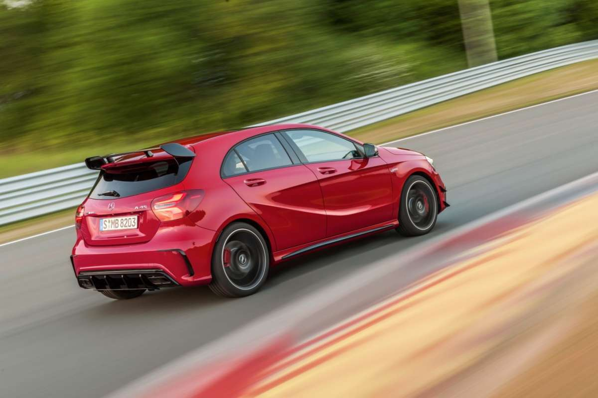 Mercedes Amg A45 restyling, ala posteriore