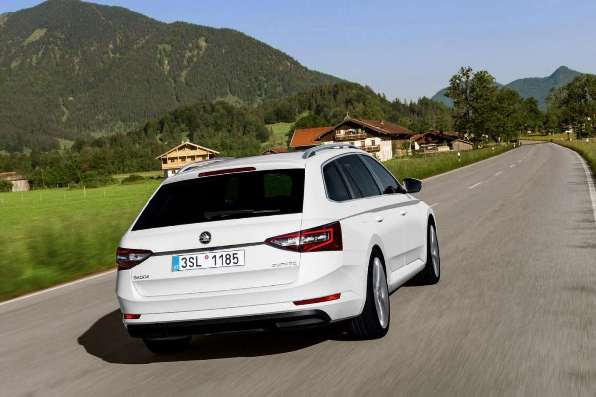 Skoda Superb Combi il restyling