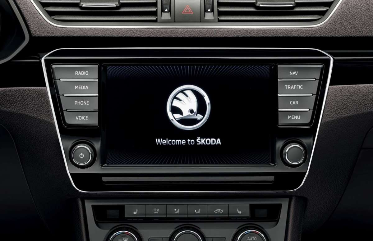 Skoda Superb Combi schermo touchscreen