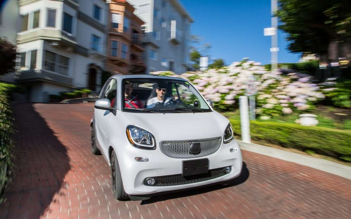 Smart ForTwo Cabri, guida ein plein air.