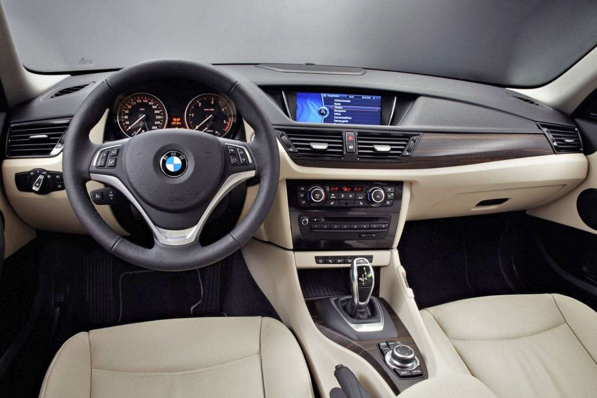 BMW X1 interni