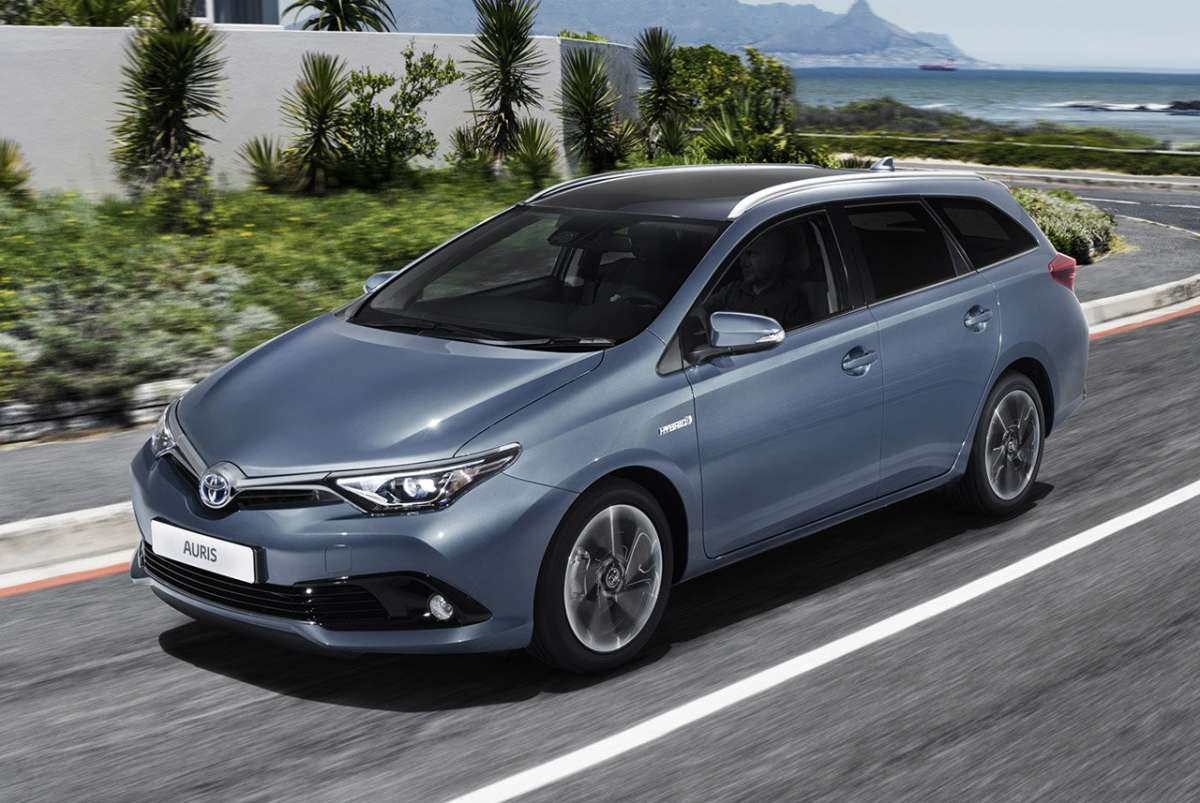Toyota Auris Touring Sports 2015