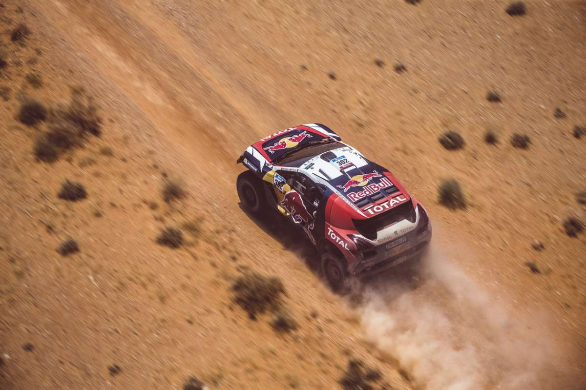 Peugeot 2008 DKR Silk Road Rally dall'alto