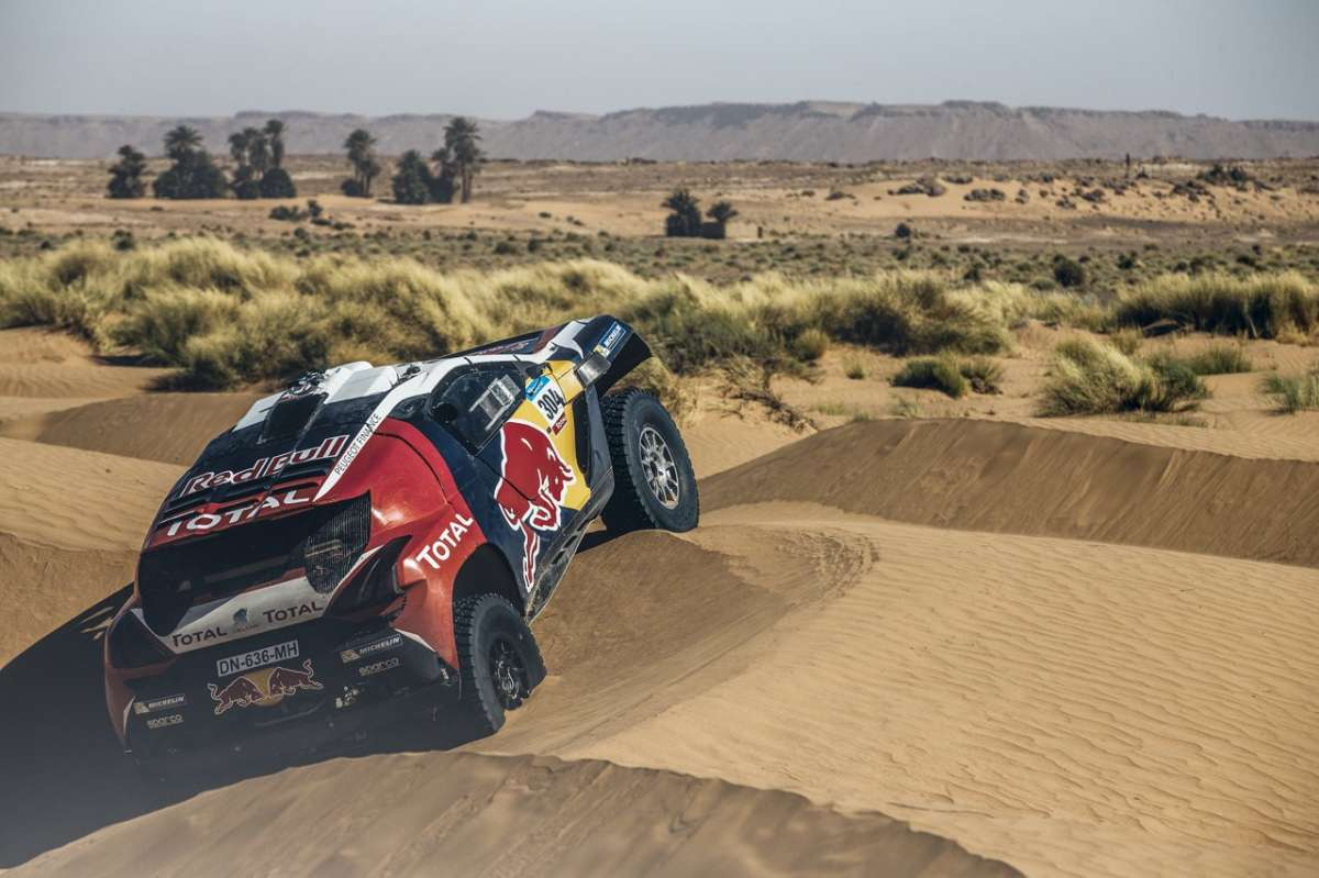 Peugeot 2008 DKR Silk Road Rally posteriore